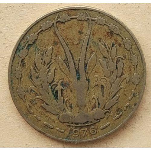 10 франков 1976 год Западная Африка. Газель